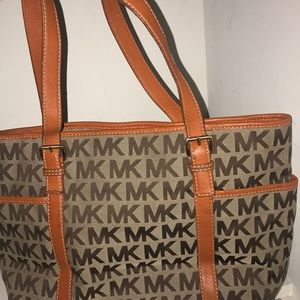 Micheal Kors purse‼️